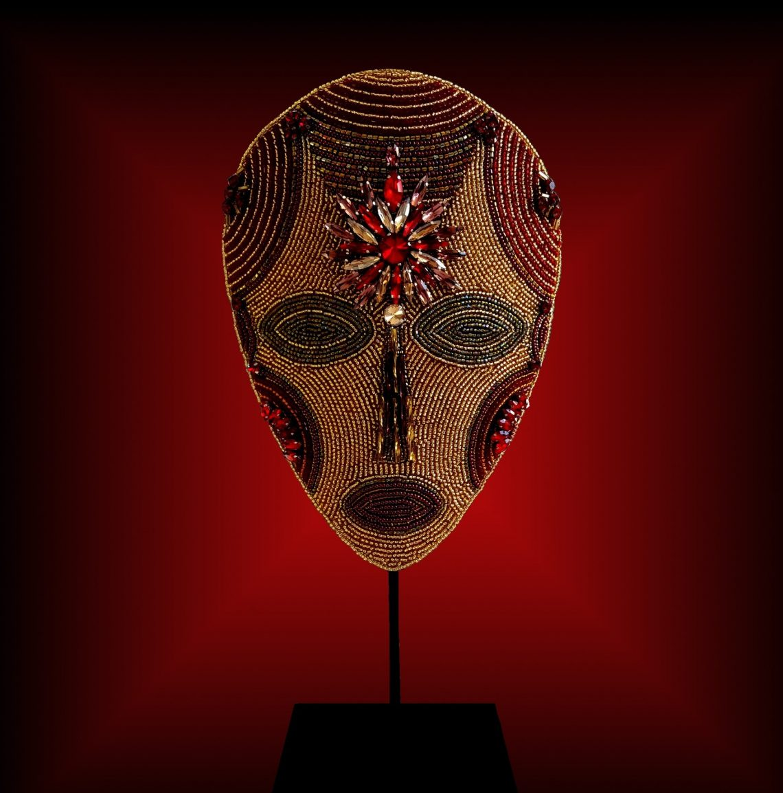 Masque brodé n°25 © Sylune Créations