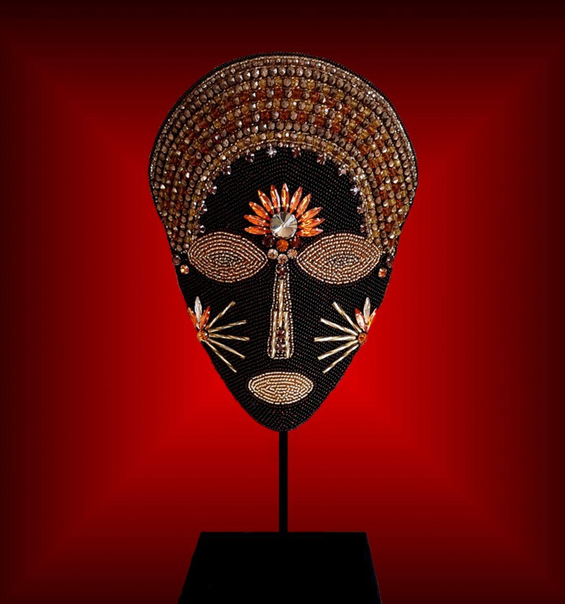 Masque brodé n°39 © Sylune Créations