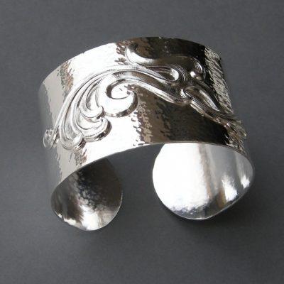 """Bracelet """"manchette"""" plaqué argent (BRA02) © DR"""